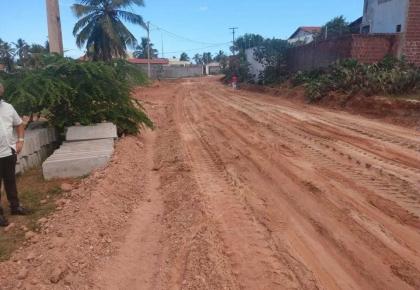 Avenida Lagoa do Sal, Centro recebe pavimentação.