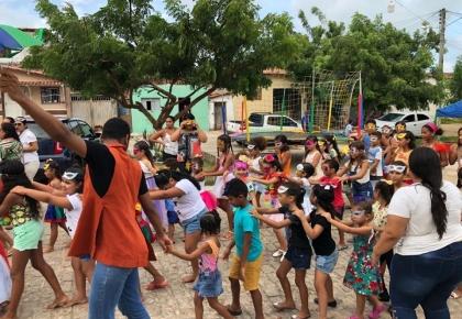 CRAS Touros realiza atividade em alusão ao Carnaval.