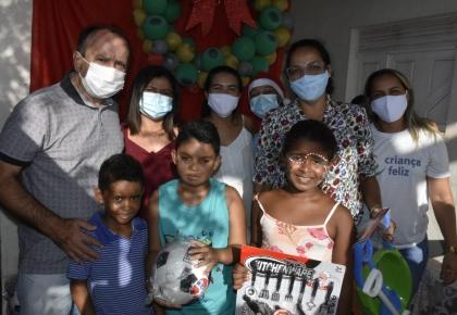 Prefeitura através da  Assistência Social, promove o Natal das crianças do distrito de Perobas.